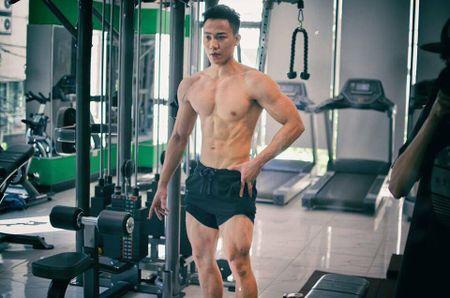 9X tap gym giup tang 18 kg va 5 cm chieu cao - Anh 2