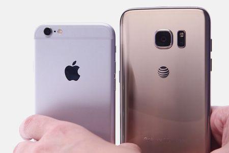'Mua iPhone thoi diem hien tai la sai lam' - Anh 1