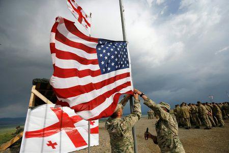Nga, hiem hoa IS va Brexit phu bong hoi nghi NATO - Anh 2