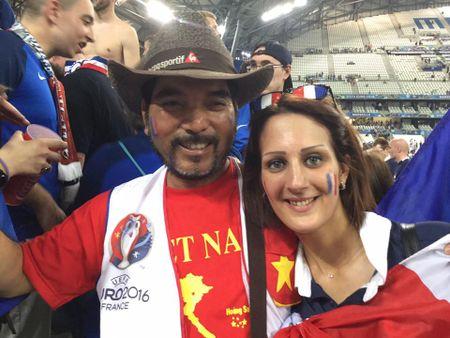 CDV Viet Nam cuong nhiet co vu tran ban ket Euro 2016 - Anh 4