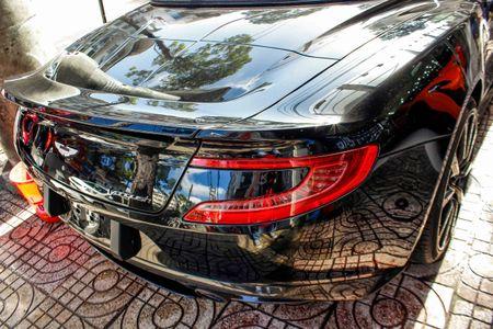 Aston Martin Vanquish mui tran dau tien ve Viet Nam - Anh 7