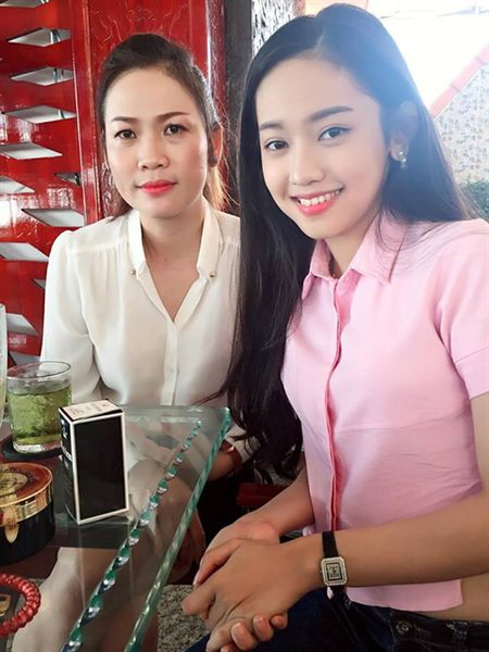 Chan dung nguoi me tuoi tre cua Thuy Vi - Anh 5