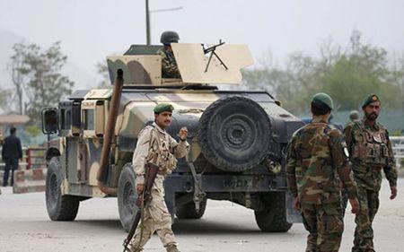 Australia cap bo sung 300 trieu USD giup an ninh Afghanistan - Anh 1