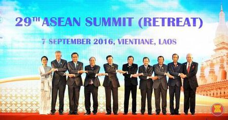 ASEAN-Trung Quoc nhat tri giam nguy co va cham tren Bien Dong - Anh 1