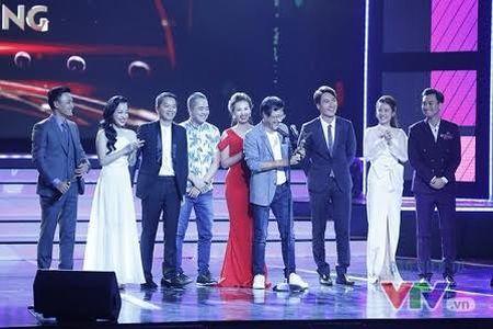 11 khoanh khac dep cua cac ngoi sao tai VTV Awards 2016 - Anh 10