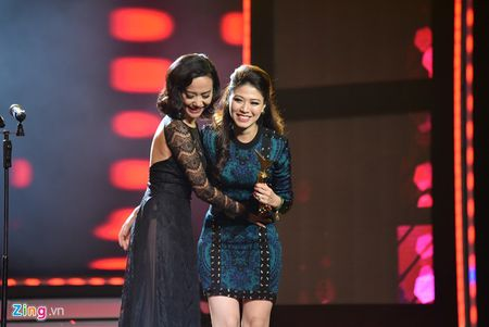 11 khoanh khac dep cua cac ngoi sao tai VTV Awards 2016 - Anh 1