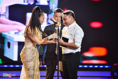 11 khoanh khac dep cua cac ngoi sao tai VTV Awards 2016 - Anh 2