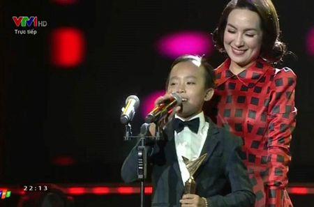 11 khoanh khac dep cua cac ngoi sao tai VTV Awards 2016 - Anh 6