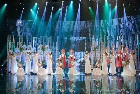 11 khoanh khac dep cua cac ngoi sao tai VTV Awards 2016 - Anh 8