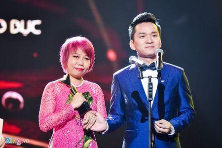 11 khoanh khac dep cua cac ngoi sao tai VTV Awards 2016 - Anh 9