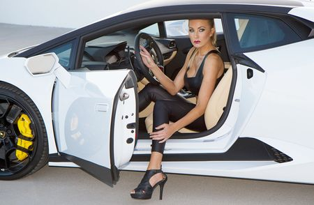 Quy co sexy 'thuan hoa' sieu bo Lamborghini Huracan - Anh 2
