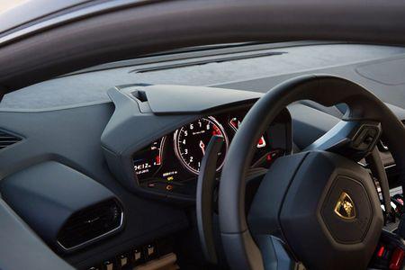 Quy co sexy 'thuan hoa' sieu bo Lamborghini Huracan - Anh 3