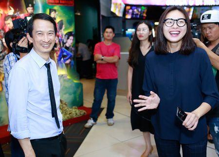 Ngo Thanh Van gian di ung ho vo chong Tran Anh Hung - Anh 1