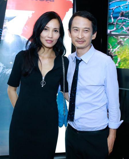 Ngo Thanh Van gian di ung ho vo chong Tran Anh Hung - Anh 3