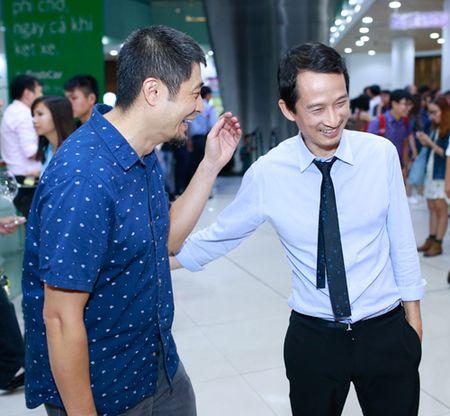 Ngo Thanh Van gian di ung ho vo chong Tran Anh Hung - Anh 7