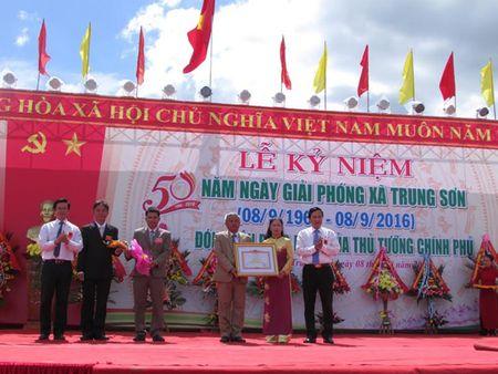 Trung Son di len tu dong tro tan - Anh 1