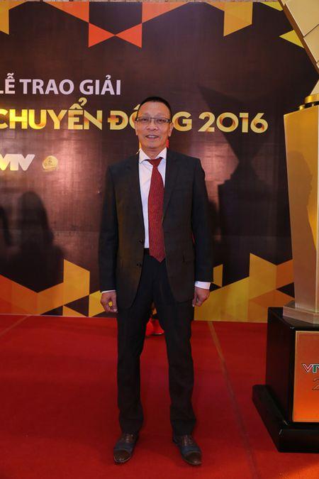 Choang ngop voi dan MC 'dinh' cua VTV noi dong nguoi - Anh 2