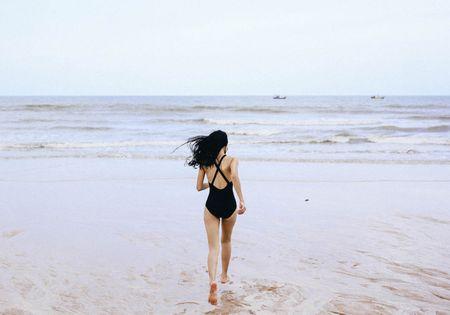 Hoa khoi The thao dep nuot na voi mot ao tam 1 manh - Anh 10