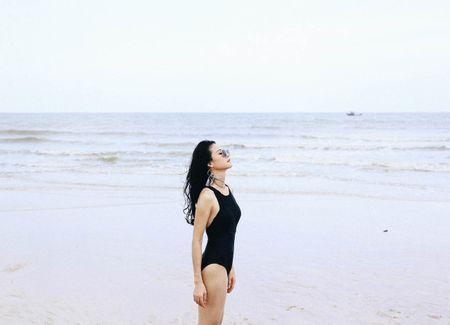 Hoa khoi The thao dep nuot na voi mot ao tam 1 manh - Anh 9