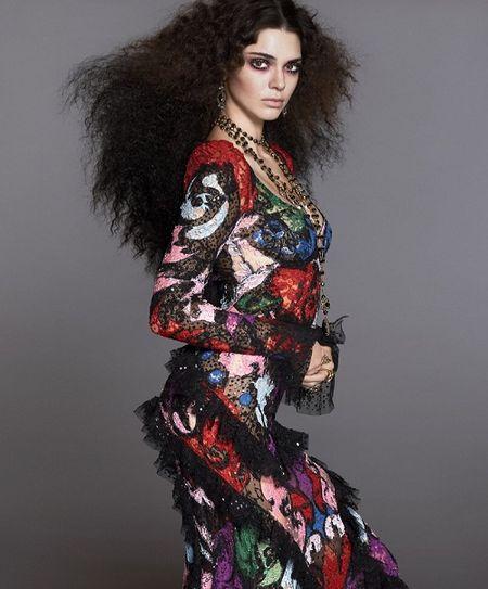 Mac du luan, Kendall Jenner tiep tuc len bia Vogue - Anh 3