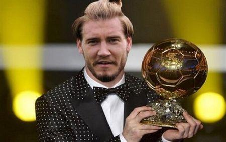 'LORD' Bendtner va nhung kich ban 'hoang duong' ngay tro lai - Anh 2