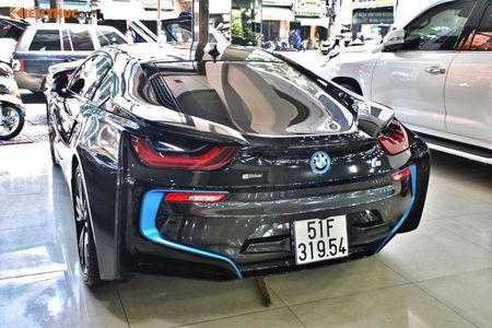 """Minh Nhua """"tau tan"""" BMW i8, don duong don sieu xe 78 ty - Anh 3"""