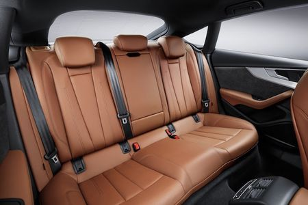 "Audi ""trinh lang"" coupe 5 cua A5 Sportback gia 950 trieu - Anh 6"
