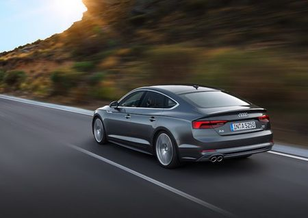 "Audi ""trinh lang"" coupe 5 cua A5 Sportback gia 950 trieu - Anh 8"