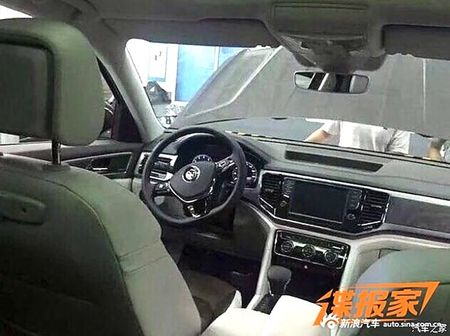 "SUV co lon Volkswagen Teramont - ""Audi Q7 cho nha ngheo"" - Anh 5"