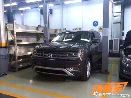 "SUV co lon Volkswagen Teramont - ""Audi Q7 cho nha ngheo"" - Anh 7"