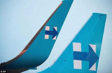 Anh: Ba Hillary Clinton hao hung khoe may bay moi - Anh 3