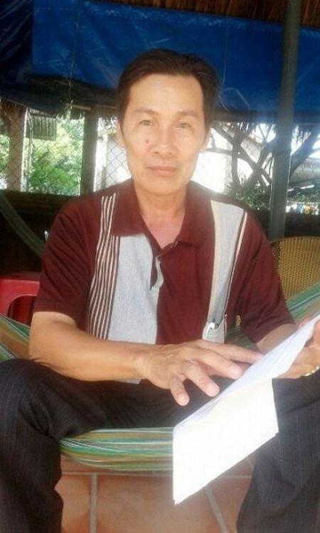 UBND huyen Cho Moi, tinh An Giang: Tuy tien ban hanh QD thu hoi Giay chung nhan Quyen su dung dat cua nguoi dan - Anh 1
