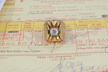 Khach hang khieu nai Bao Tin Minh Chau ban da tinh tien nhu gia vang - Anh 1