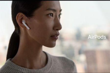 Apple AirPods: tai nghe khong day, chip W1, pin tu 5 den 24 tieng, gia 159 USD - Anh 2