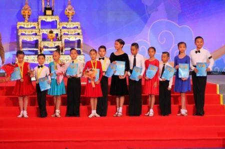 Cap doi tai nang Gia Linh, Gia Bao gat hai thanh cong khi tham gia Cup Nha vua tai Thai Lan - Anh 2