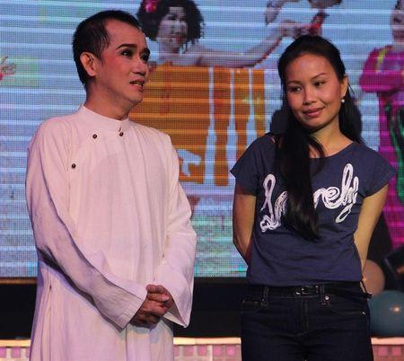 Gia dinh ca si Minh Thuan lan dau len tieng - Anh 2