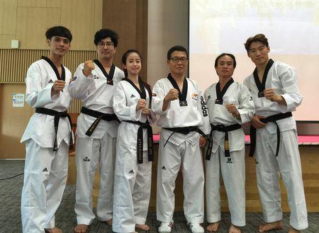 Taekwondo Viet Nam chua san sang cho bai quyen moi? - Anh 1