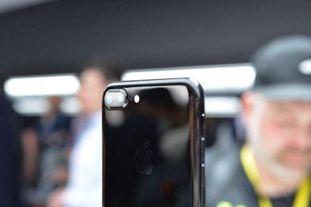 iPhone 7 xach tay du kien ve Viet Nam ngay 16/9, gia dat truoc tu 25 trieu dong - Anh 1