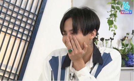 Thay boi noi gi ve duong tinh duyen va su giau sang cua G-Dragon? - Anh 1