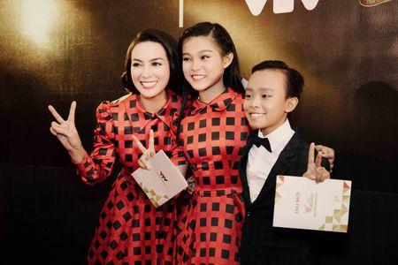 VTV Awards: Ho Van Cuong da gianh giai thuong Ca si an tuong cua nam - Anh 2