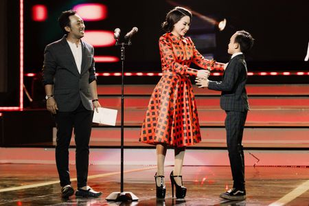 VTV Awards: Ho Van Cuong da gianh giai thuong Ca si an tuong cua nam - Anh 4
