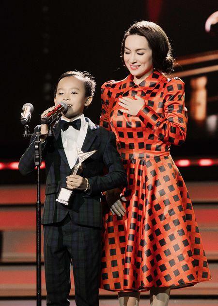 VTV Awards: Ho Van Cuong da gianh giai thuong Ca si an tuong cua nam - Anh 5
