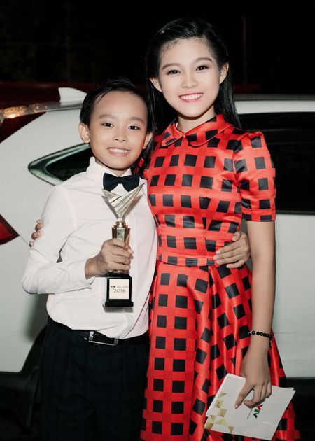 VTV Awards: Ho Van Cuong da gianh giai thuong Ca si an tuong cua nam - Anh 8