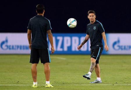 Tin HOT toi 8/9: Sanchez chung mam Messi, that bai dau cua Ibra o MU - Anh 2