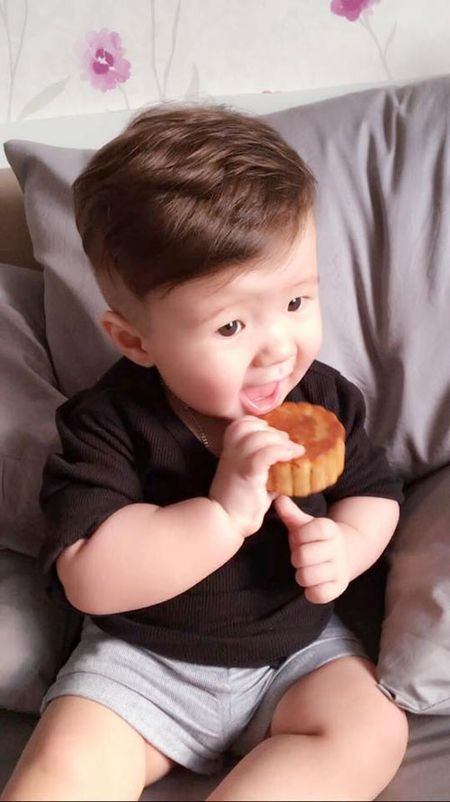 Con trai Diem Huong ngo ngac giua canh dong lua vang - Anh 10