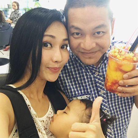 Con trai Diem Huong ngo ngac giua canh dong lua vang - Anh 11