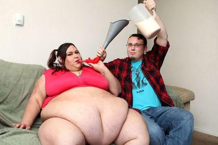 Co gai duoc ban trai vo beo hon 300kg de tro nen… quyen ru hon - Anh 3