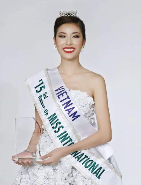 Vietnam's Next Top Model: 4 nguoi dep nay deu om mong ca hoa hau lan nguoi mau - Anh 10
