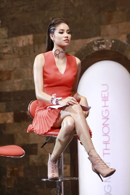Vietnam's Next Top Model: 4 nguoi dep nay deu om mong ca hoa hau lan nguoi mau - Anh 7