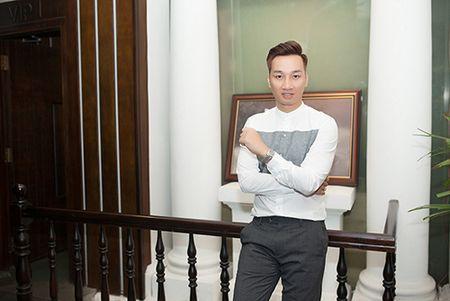 MC Thanh Trung banh bao, lich lam trong tiec tri an - Anh 5